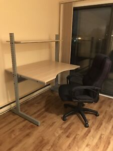 IKÉA desk and office chaire good quality only 100$