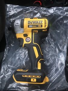 DEWALT Brushless drill set with batteries
