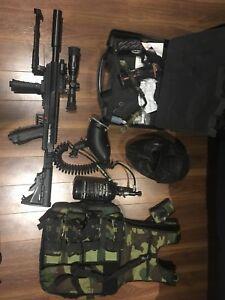 Paintball Gun + protective gear