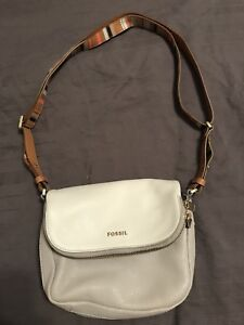 Basically brand new leather FOSSIL bag