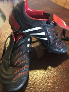 Adidas soccer cleats - size 3.5 (eur 35.5)