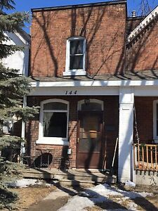 2 bedroom house available may 1