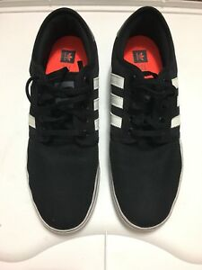 Adidas sneaks shoe for sale size 10