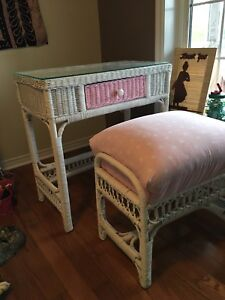 Childs wicker desk and seat