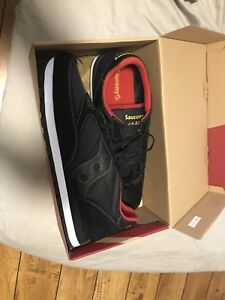 Brand new never worn Saucony shoes Size 12