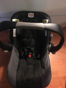 Britax infant car seat with 3 bases