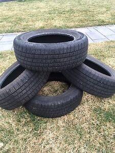 À vendre pneus d'été p215/60/16