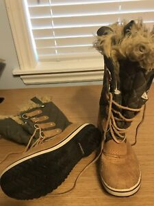 Sorel winter shoes boots for lady woman size 5