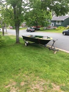 14 ft Fibreglass Boat, trailer and motor