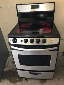 "Full working GE Apartment 24""w STOVE"