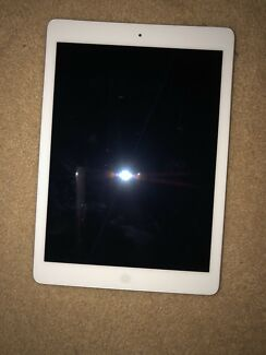 *NEED GONE ASAP* New Condition iPad Air 16GB Silver Wifi + Cellular