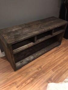 Meubles de tv, table de salon et bibliothèque en bois