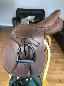 "16.5"" HDR advantage wide close contact saddle"