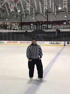 arbitre au hockey/hockey referee