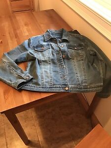 DENIM JACKET EUC(used once)