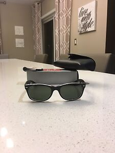 Sunglasses - ladies Ray Ban wayfarers