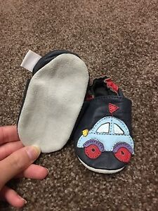 100% leather infant slippers