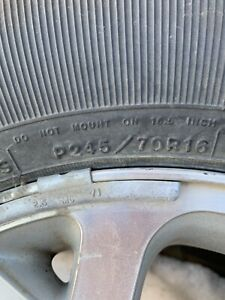 Jeep tire with rims