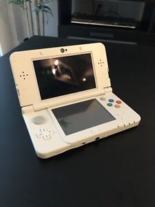 NEW Nintendo 3ds Limited White Mario Edition