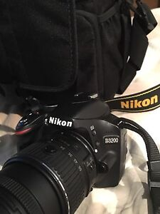 Nikon D3200 for sale / A vendre