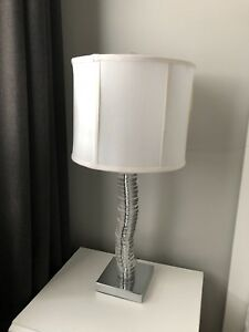 Table lamp in great condition