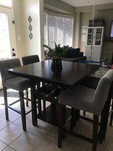 Counter hight dining table/ pub table