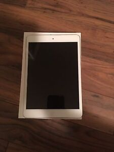 16GB iPad mini *mint condition*