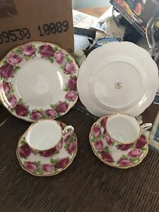 Antiques sewing machine gramophone crystal glass fine china