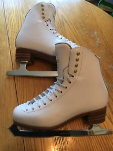 Professional Jackson Figure Skates for sale size 7