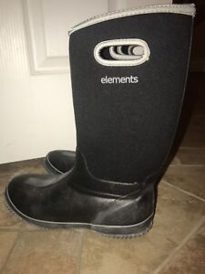 black elements rubber boots