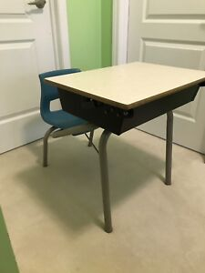 Kid's School Desk - Excellent Used Condition