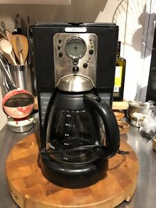 Used coffee maker in good condition 20$
