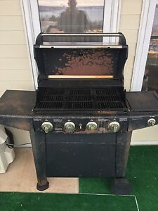 Four Burner BBQ For Sale With Accessories