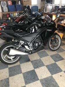 2011 Honda CBR 250R Only $2,300 with 10,471 KM Excellent Shape