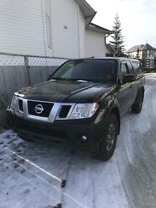 2014 Nissan Frontier Pro4X **Low kms/ Mint condition**