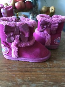Infant girl booties