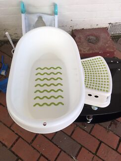 Baby bath tub and matching chair