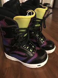 Women's Vans Snowboard Boots Size 8