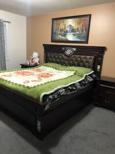 King Size Bed Set in Excellent Condition!!!!!!