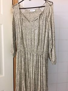 $15 Brand new without tags Reitmans Dress size L