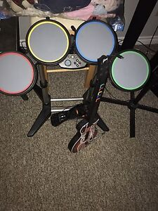 Rock and drums/pedal and wireless guitar hero guitar