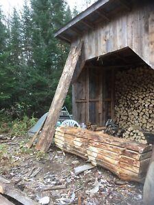 Pièces de bois pour fabrication de meubles
