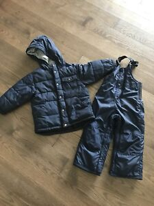 Gap 3T Gap down filled snowsuit