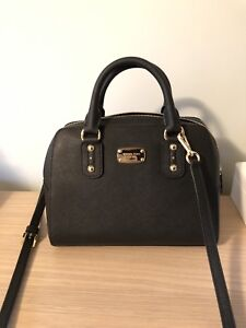 Micheal Kors purse 100% authentic