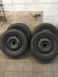 225/55/r17 michelin X Ice with Rims***