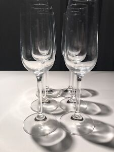 Set of Champagne Flutes (6)