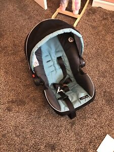 Graco click and connect car seat