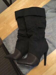 """Women's Boots - Size """"6"""""""