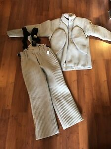 Brand new Descente ski suit
