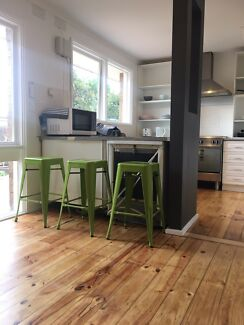 2 rooms for rent in Melton